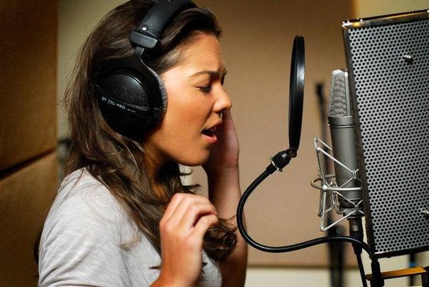 Как парню сделать женский голос